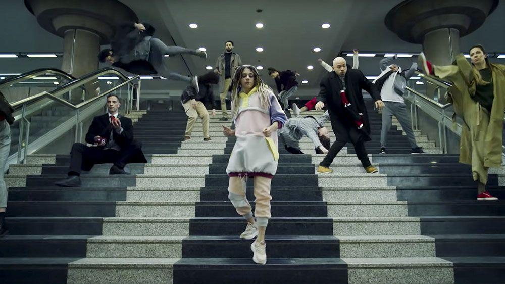 Бельгийский оператор связи выпустил ремейк культового клипа Bomfunk MC's — Freestyler